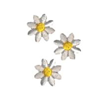 Wrights Iron On Appliques 3/Pkg White Daisies