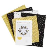 QT Fabrics All The Buzz Bzzzzz Mini Quilt Kit