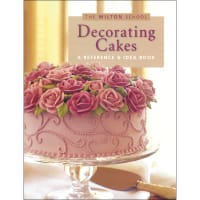 Decorating Cakes Book