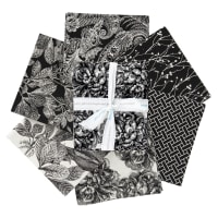 Riley Blake Castkata Classic Fat Quarter Bundle Black 6 Pcs