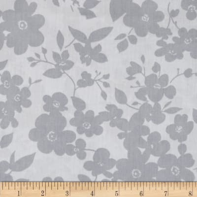 """108"""" Wide Quilt Back Daisies Silver"""