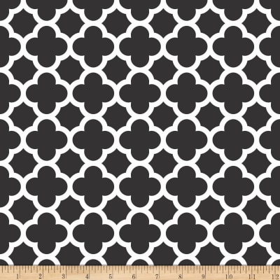 Riley Blake Medium Quatrefoil Black