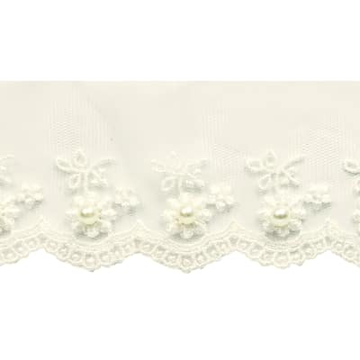 "1 1/2"" Vintage Daisy with Pearl Lace Trim Ivory"