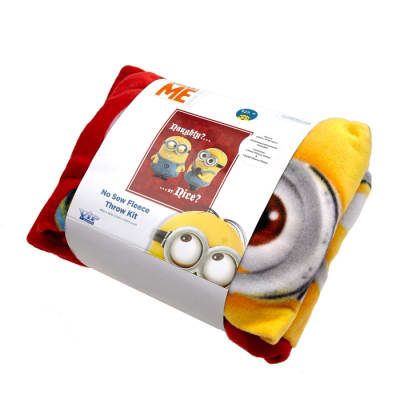 Despicable Me Minion Fleece Kit Red